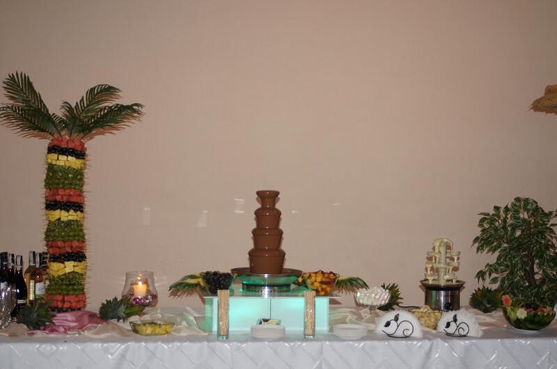 Stół owocowy na weselu