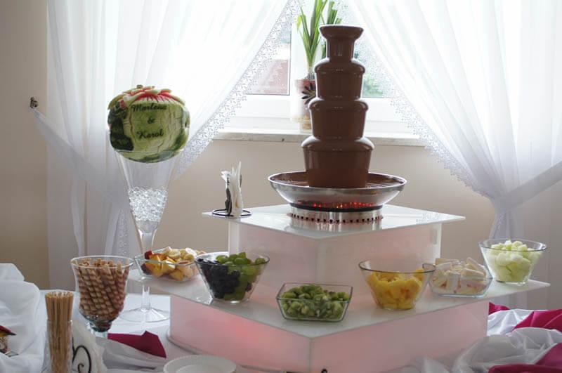 Fontanna czekoladowa i carving w arbuzie