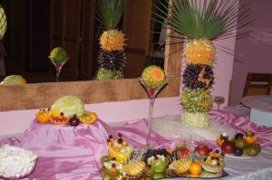 Palma z owocami