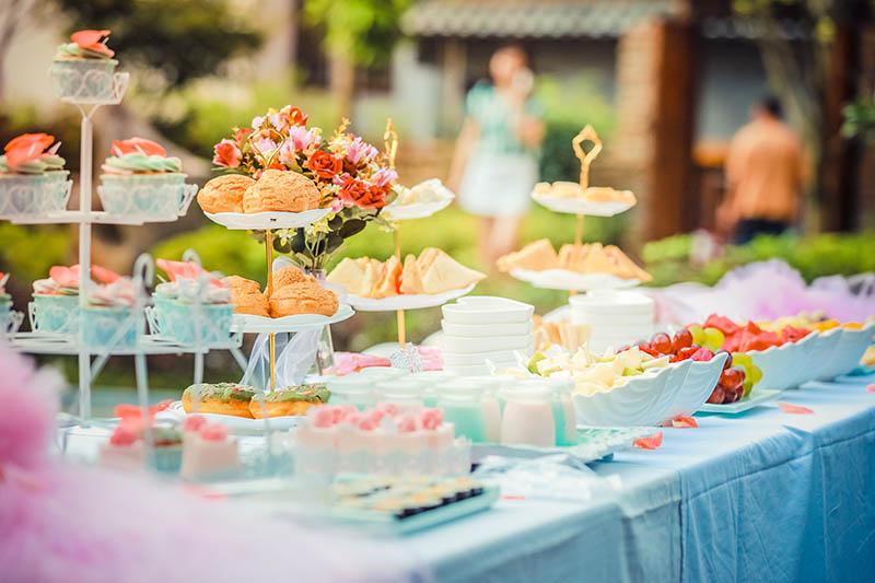 Słodki stół na babyshower