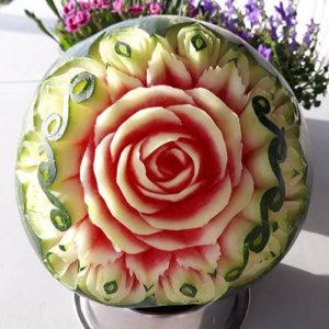 Ozdobny arbuz z kwiatem