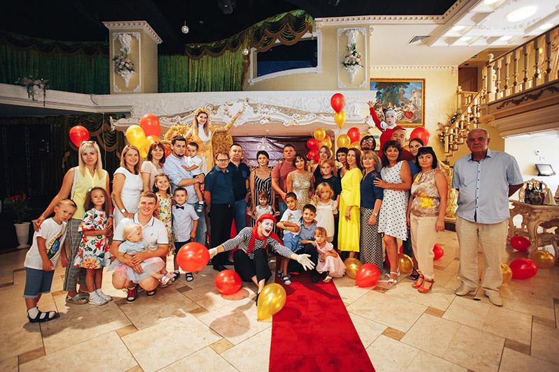 Klaun na imprezie dziecięcej