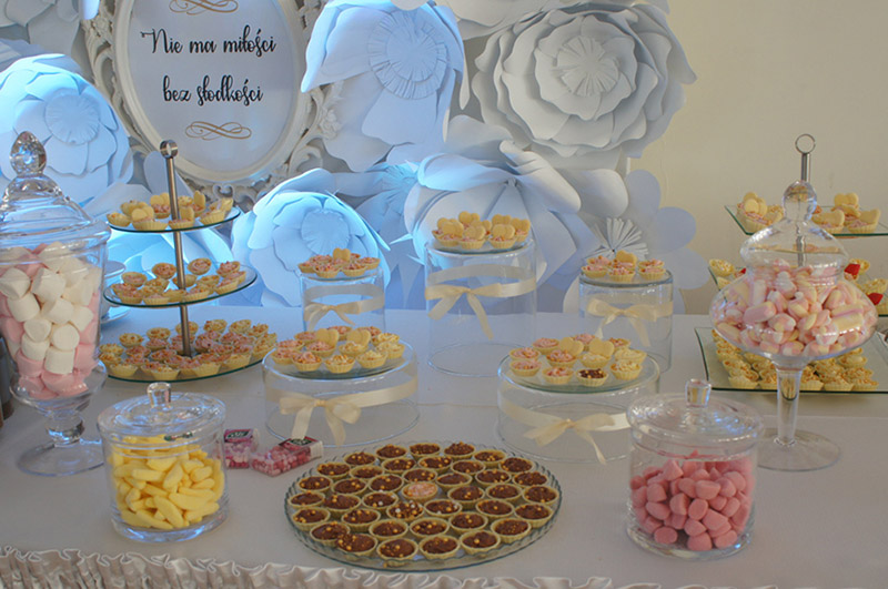 słodki stół na imprezie