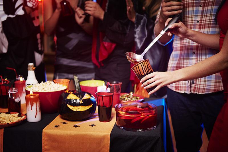 Zastawa stołowa w stylu hallowen