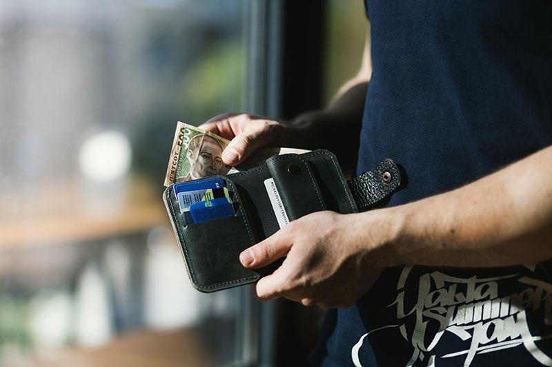 Skórzany portfel jako prezent dla taty