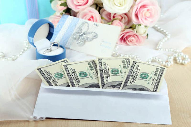 Jak zapakować pieniądze na wesele