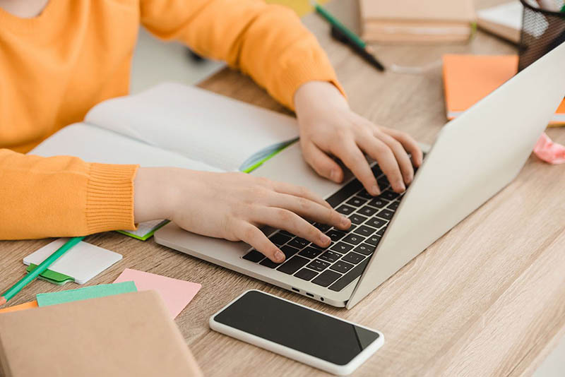 Laptop jako prezent na komunie