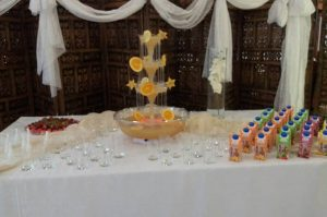 Fontanna alkoholowa i dekoracje