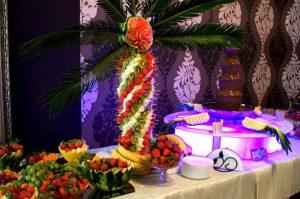 Palma owocowa na imprezie